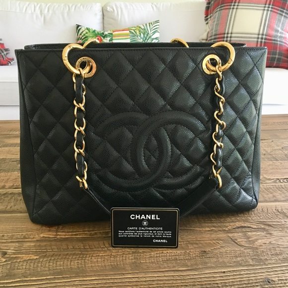 5b4d478f2e9a1c CHANEL Handbags - Chanel caviar quilted GST with gold hardware